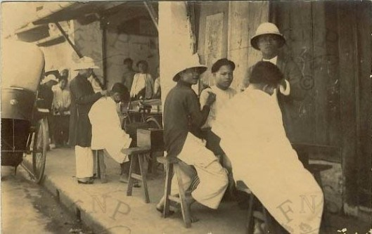 Coiffeurs Dans La Rue