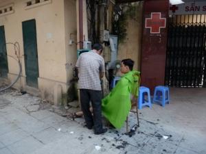 street barber Hanoi 2009