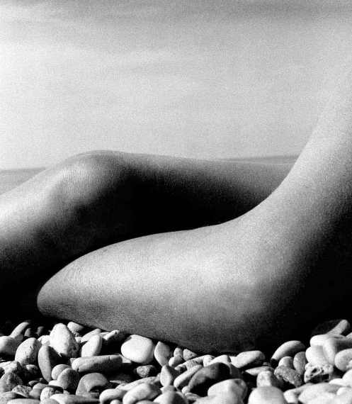 bill-brandt-nude-baie-des-anges-france-1958