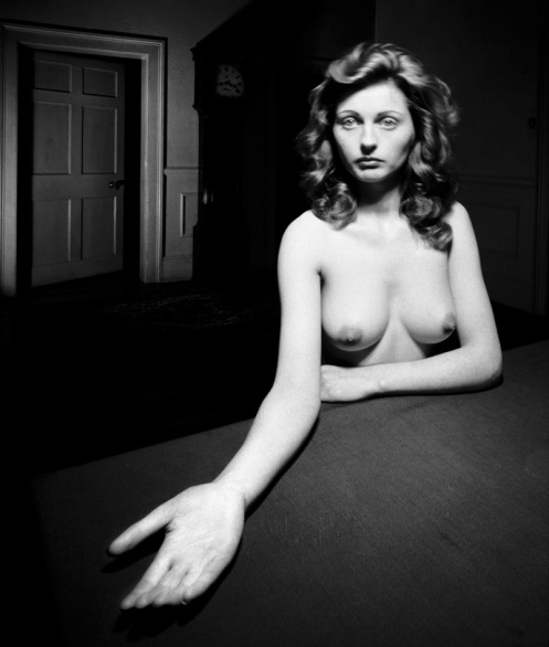 NUDE-MICHELDEVER-HAMPSHIRE-NOVEMBER-1948-1-C28140