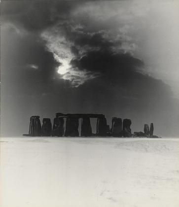 Stonehenge-Under-Snow